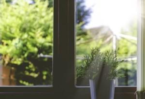 Energiefluß und Fenster im Feng Shui (Foto: Olu Eletu, Unsplash.com)
