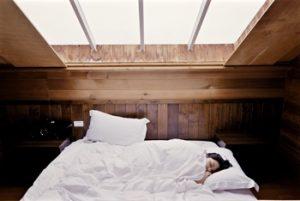 Einfach gut schlafen (Foto: nomao saeki, Unsplash.com)